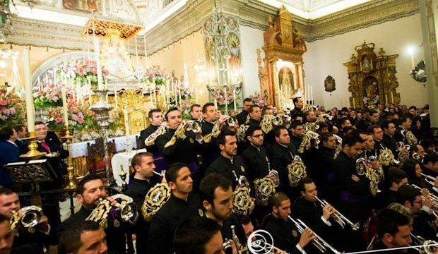 Histórico concierto en Almonte ante la Virgen del Rocío