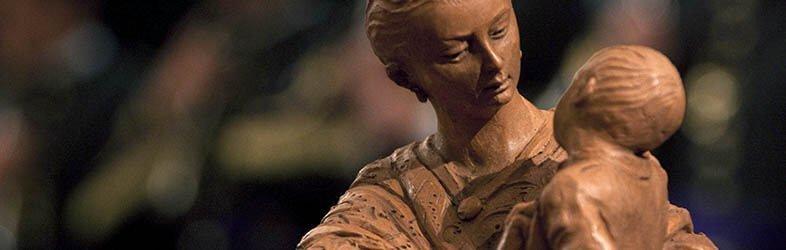 Entrega del galardón Madre Cigarrera al Círculo Mercantil de Sevilla