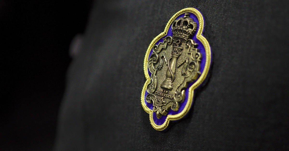 Nuevo escudo en el uniforme de Las Cigarreras