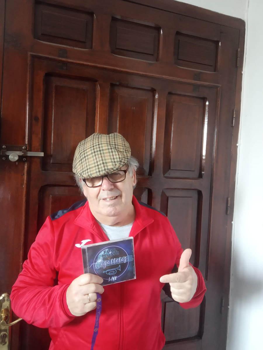 José Antonio Conde, de Salmarina, con el disco #LLenaEresDeMúsica